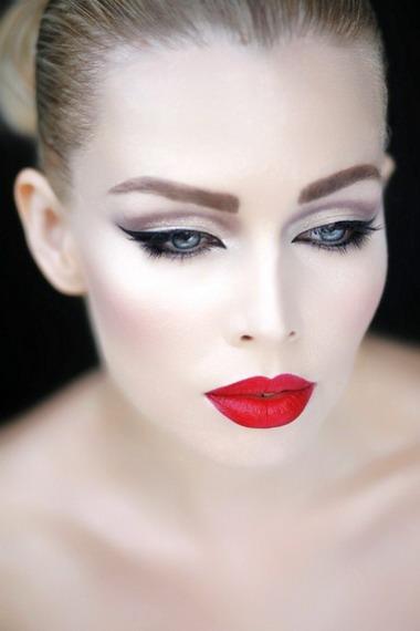 Prosty Makijaż Dla Niebieskich Oczu Skala Kolorów Do Makijażu