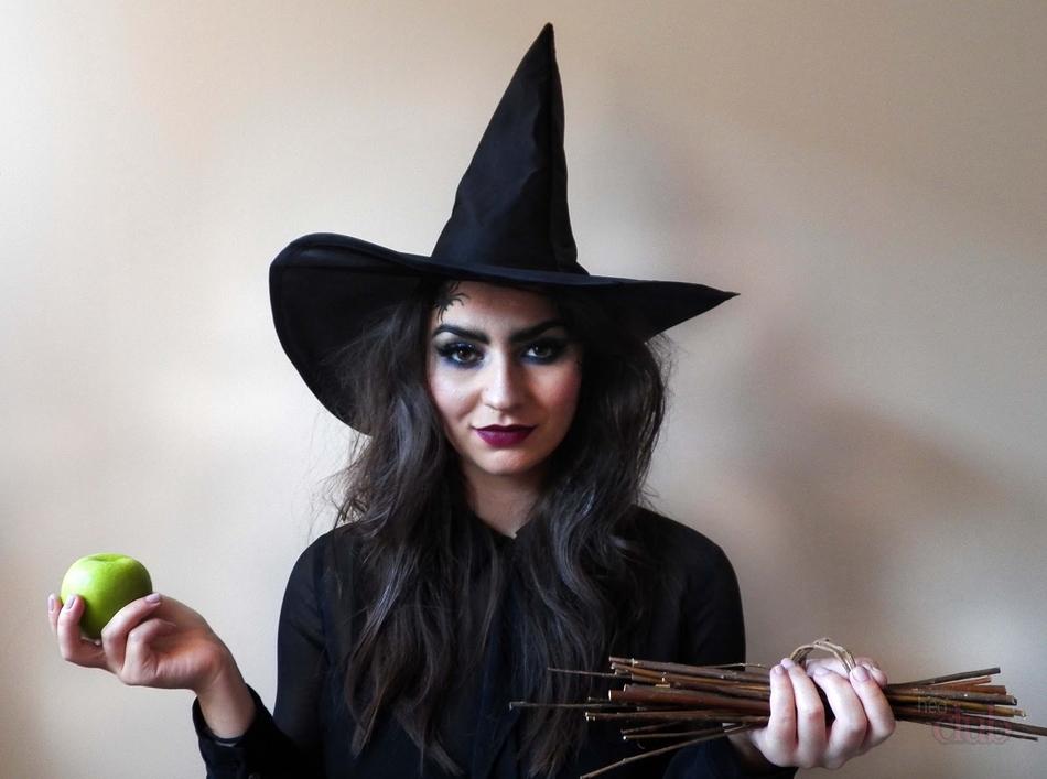 Gambar dan make up penyihir untuk Halloween