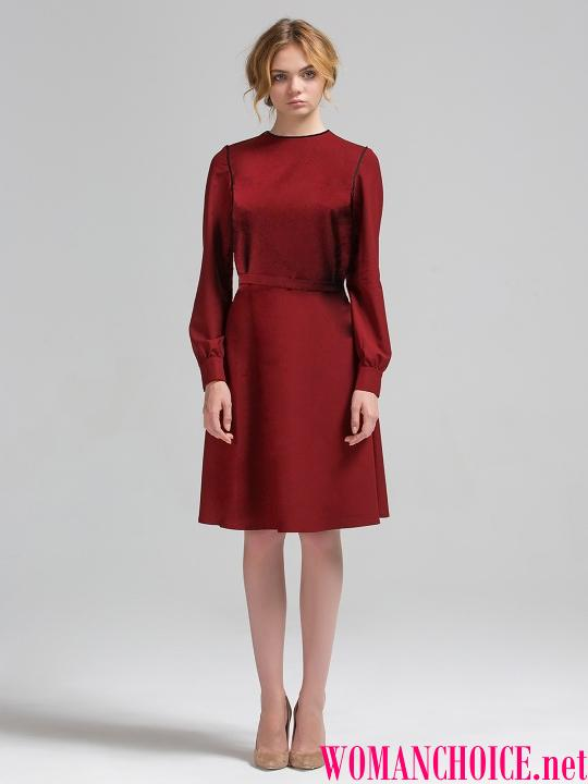 df02267c49 Burgundské šaty dĺžka midi pletené tkaniny a bohatá farba bude takmer  nevyhnutná voľba