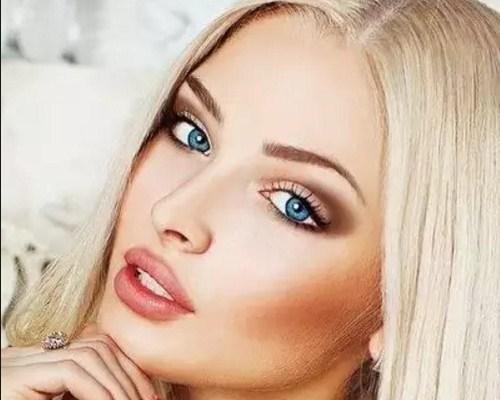 Blondínky milujú veľké kohúty