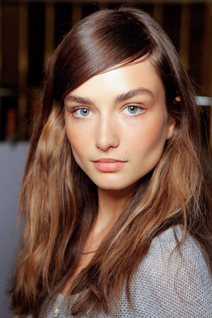 Yeşil gözlü güzellere makyaj önerileri