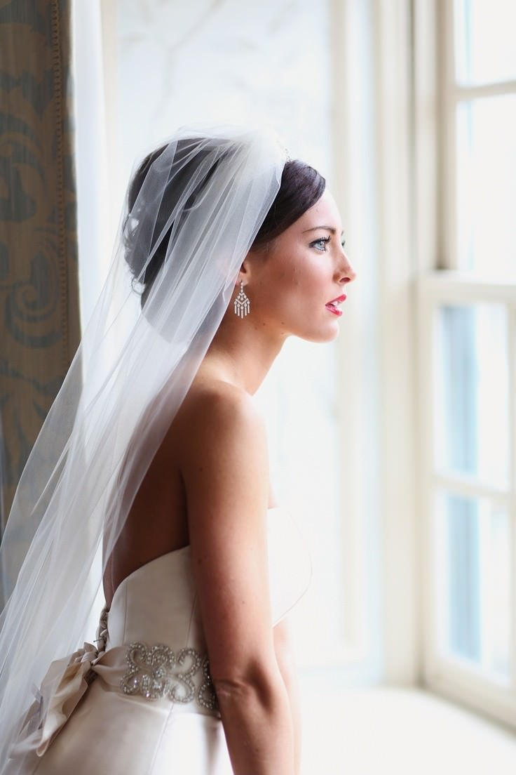The most beautiful hairstyles with a diadem. Wedding diadem on one ...