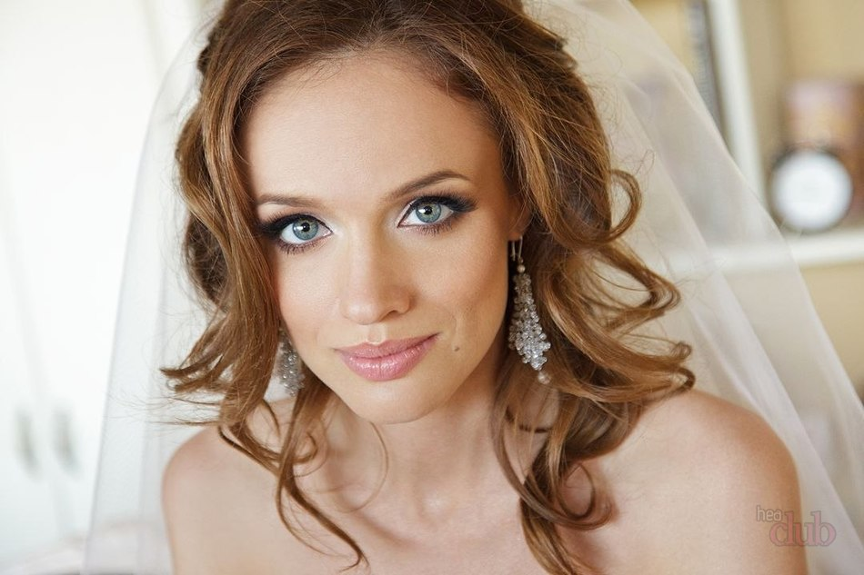 A Light Haired Girl With Gray Eyes Wedding Make Up Beautiful