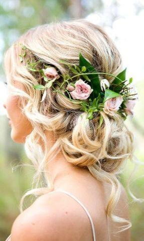 998499aaae8a Existuje veľa krásnych a veľmi rozmanité varianty gréckej tkanie pre svadobné  účesy